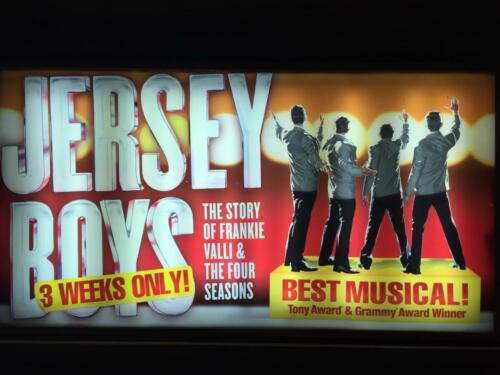 "<font color=""white"">Jersey Boys</font>"